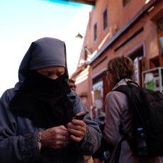 Indispensable ici et là ! Marrakech - Maroc © Arnaud Galy